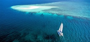 Charters in Maldiverna – Experience the Maldives by Water